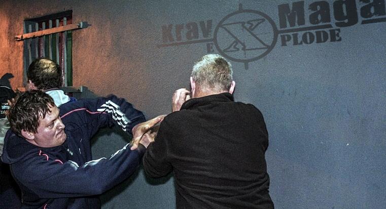 Krav Maga eXplode town training